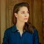 katerina Winterova portrét modra kosile